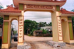 Người dân đánh trống tri hô vây bắt nhóm thanh niên đập phá cổng làng ở Thanh Hóa