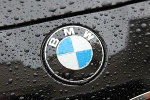 Hầu hết mọi người đều hiểu sai ý nghĩa trên logo của BMW suốt trăm năm qua