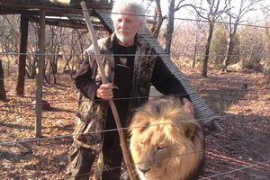 Người đàn ông bị sư tử của mình vồ chết ở Nam Phi