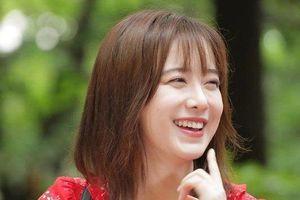 Tránh lấn át đồng nghiệp, Goo Hye Sun phải đánh phấn cho bớt trắng
