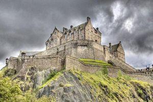 Lịch sử đen tối của loạt lâu đài ma ám nổi tiếng nhất