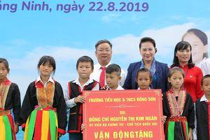 Chủ tịch Quốc hội tặng trường học mới cho huyện vùng cao Quảng Ninh