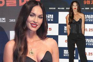 Người đẹp 'Transformers' Megan Fox sinh 3 con vẫn siêu quyến rũ