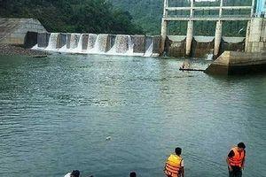Khởi tố bị can hai cán bộ nhà máy thủy điện xả nước gây chết người