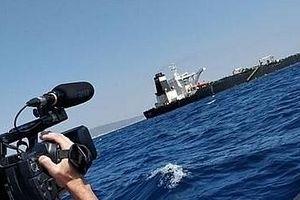 Hy Lạp đánh tiếng không muốn đón tàu dầu Iran đang bị Mỹ truy bắt