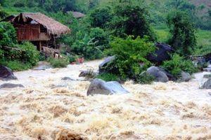 Một người dân ở Thanh Hóa bị lũ cuốn mất tích khi kiểm tra máy phát điện