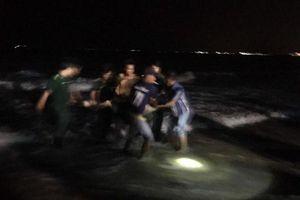Du khách bị sóng lớn cuốn mất tích khi tắm biển Phan Thiết: Tìm thấy 2 thi thể