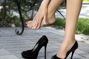 Mang giày cao gót thường xuyên có ảnh hưởng tới sinh sản?