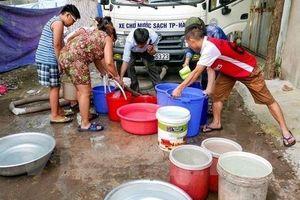 Thiếu nước, dân Đà Nẵng than trời vì cuộc sống đảo lộn
