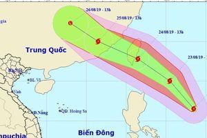 Bão Bailu áp sát Biển Đông, giật cấp 11