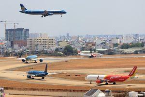 Tiếp tục 'hé lộ' nguyên nhân sân bay Tân Sơn Nhất quá tải từ trên trời
