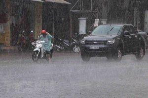 Ngày mai miền Bắc chấm dứt mưa lớn, bão Bailu tiến gần Biển Đông