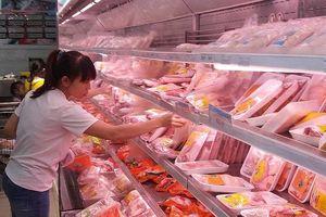 Cánh gà, chân gà Mỹ siêu rẻ đè bẹp gà Việt Nam