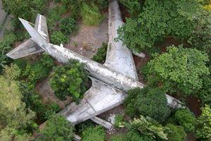 Chiếc máy bay từng bị bỏ hoang giữa Sài Gòn