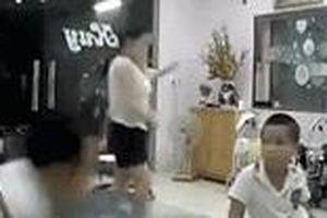 Chồng bạo hành vợ ở Bắc Kạn: 'Tôi đánh vợ nhưng nhà nào cũng xô xát'