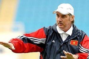 HLV Alfred Riedl tái xuất với bóng đá Indonesia