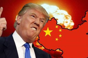 TT Trump họp khẩn về thông báo áp thuế của Trung Quốc