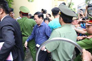 Xét xử Nguyễn Hữu Linh: Ông 'nựng' không bỏ chạy