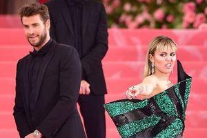 Miley Cyrus giận dữ, quyết liệt phủ nhận việc lừa dối Liam Hemsworth