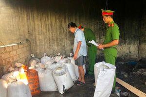 Hà Tĩnh: Phát hiện hơn năm tạ mỡ bẩn trong cơ sở chế biến