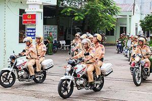 Vi phạm giao thông, 2 thanh niên ở Ninh Thuận dùng kéo đâm cảnh sát bị thương