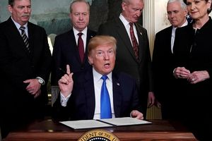 Ông Trump yêu cầu DN Mỹ 'rời bỏ' Trung Quốc