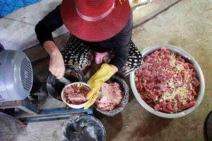 Quảng Ngãi: Làng làm chả cá đỏ củ từ Hoàng Sa