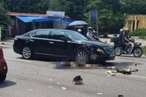 Đấu đầu với xe Lexus, nam thanh niên đi xe máy tử vong tại chỗ