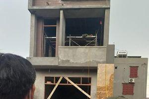 Hai thanh niên tử vong nghi điện giật trong ngôi nhà mới xây dựng