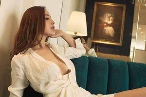 Loạt trang phục gợi cảm tôn hình thể của Hoa hậu Mai Phương Thúy