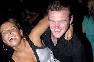 Wayne Rooney đối mặt với cơn thịnh nộ từ bà xã