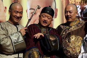 Bộ ba 'Bản lĩnh Kỷ Hiểu Lam' rủ nhau đi xem hí kịch