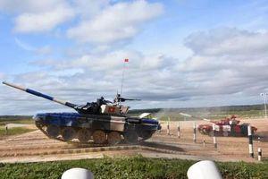 Vì sao xe tăng đội Việt Nam đạt tới vận tốc 74km/h ở Army Games?