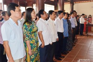 Lãnh đạo Nghệ An dâng hương tưởng niệm 77 năm ngày mất của Tổng Bí thư Lê Hồng Phong