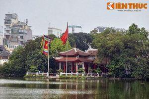 Điều linh diệu riêng có ở ngôi đền nổi tiếng nhất Hà Nội