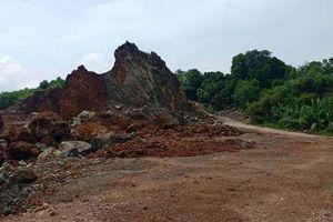 Vụ dân vây nhóm đi ô tô phá cổng làng ở Thanh Hóa: Từ mỏ đất gây ô nhiễm