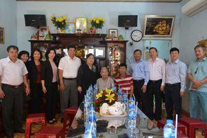 Đoàn công tác Thành phố Hà Nội thăm, tặng quà Mẹ Việt Nam anh hùng tại tỉnh Đồng Nai
