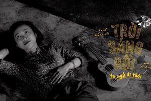 'Trời sáng rồi, ta ngủ đi thôi': Phim Indie kể bằng chất nhạc Indie về hai người trẻ chênh vênh và lạc lõng giữa đất Sài Gòn