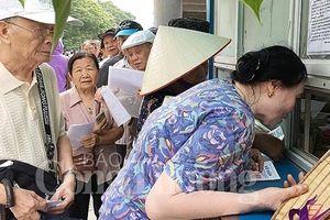 Miễn phí thẻ xe buýt, người dân Hà Nội hào hứng