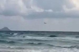 Khoảnh khắc máy bay quân sự Tây Ban Nha đâm thẳng xuống biển