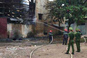 Cháy lớn tại nhà máy luyện thiếc, 8 công nhân may mắn thoát nạn