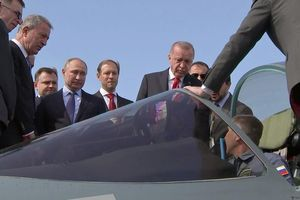 Tổng thống Putin 'khoe' Su-57, Tổng thống Erdogan 'chốt đơn hàng'