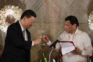 Ông Duterte đến Bắc Kinh giữa căng thẳng về Biển Đông