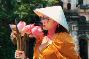 Săn ảnh check-in mùa sen tại Hang Múa dịp 2/9