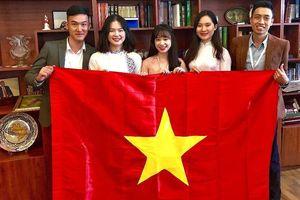 Đoàn Việt Nam nhận giải thưởng trong cuộc thi viết quốc tế về Azerbaijan