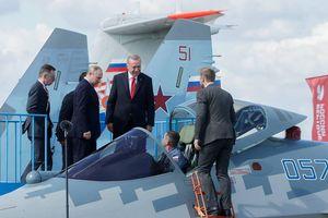 Chưa thoát khỏi đòn S-400, Mỹ tiếp tục hứng trọn 'cú đấm' Su-57
