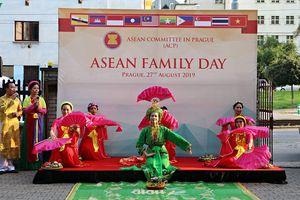 Việt Nam tổ chức ngày Gia đình ASEAN 2019 tại Praha