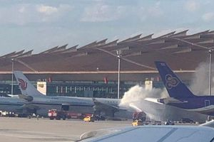 Máy bay Air China bắt lửa khi chuẩn bị đón hành khách