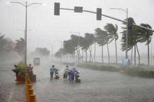 Bão số 4 liên tục mạnh thêm, đêm mai Bắc Bộ và Trung Bộ mưa lớn