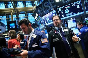 Nỗi lo suy thoái kinh tế lại bao trùm giới đầu tư